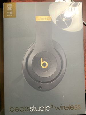 BEATS STUDIO 3 WIRELESS SHADOW GRAY AND GOLD for Sale in Washington, DC