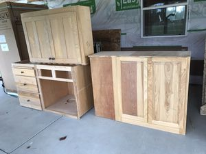 Hickory kitchen cabinets solid wood for Sale in Eatonville, WA