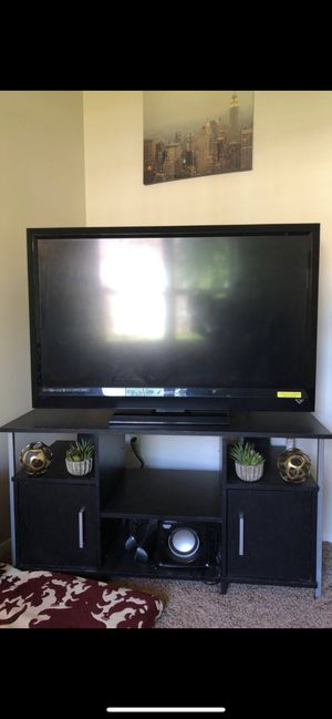 VIZIO tv 55 inch, NYC wall art, book shelf, student desk & chair, 2 sofa glass tables, corner light for living room, twin mattress. for Sale in Youngstown, OH