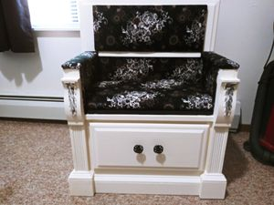 Repurposed End table chair for Sale in Appleton, WI