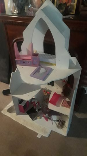 FREE UNFINISHED DOLL HOUSE WITH SOME ECCESSORIES for Sale in Elkins, WV