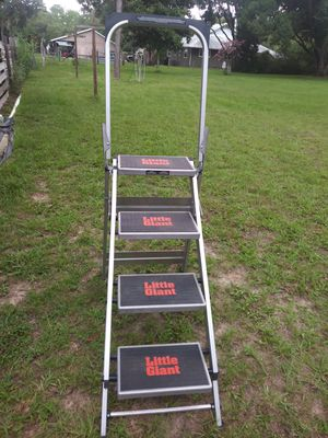 Little Giant 4 step ladder for Sale in Lecanto, FL