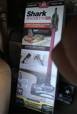 Shark rocket pet pro never used model (IZ162H) for Sale in Los Angeles, CA