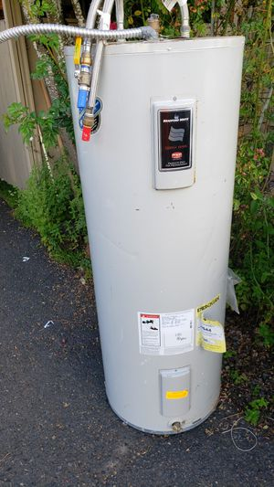 Automatic storage water heater for Sale in Portland, OR