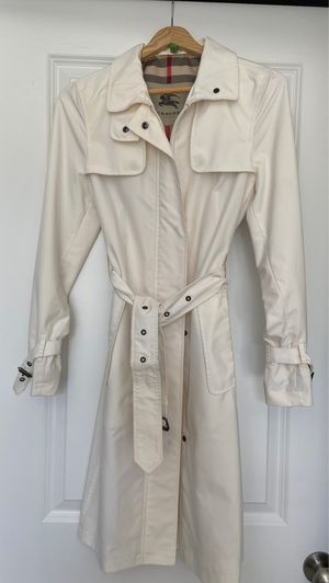 Burberry ivory trench coat. Size 2 for Sale in Chapel Hill, NC
