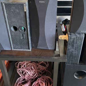 Onkyo Speakers & Sub QTY 6 for Sale in Garden Grove, CA