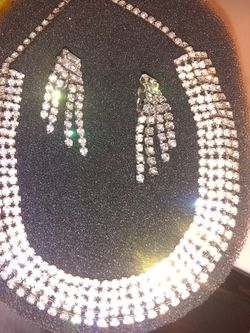 Beautiful Rhinestone Necklace And Clip-on Earrings for Sale in Glendale,  AZ