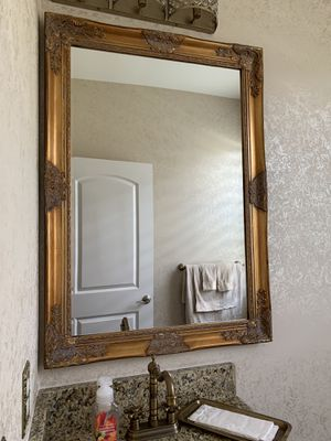 Traditional/Transitional Mirror for Sale in Walled Lake, MI