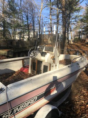 2000 17 ft sunbird center console with90hp went through motor spend $2200 last spring floor soft in spots $ 2200 or trade for atv, atv side by side, for Sale in Coventry, RI