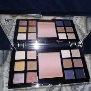 IT GIRL eye shadow pallet. for Sale in Guadalupe, CA