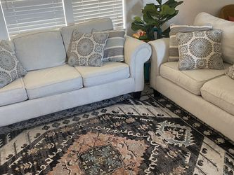 Super Clean Couches W/ Pull Out Bed for Sale in Red Oak,  TX