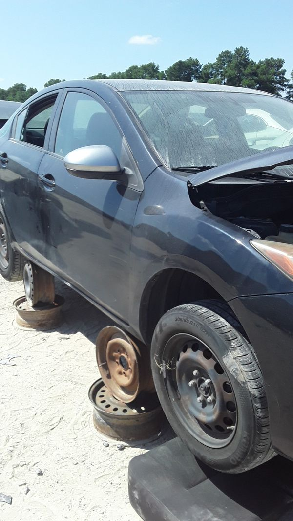 2010 Mazda 3 for parts