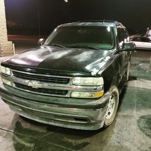 Chevy tahoe 05 for Sale in Phoenix, AZ
