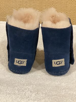Ugg baby boots size 2/3 for Sale in Miami, FL