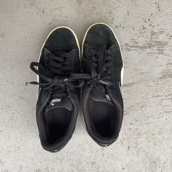 Black Puma Shoes size 8.5 in women's for Sale in Raleigh,  NC
