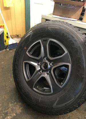 2019 jeep wrangler 7017 inch alloy wheel brand new with tire for Sale in Lighthouse Point, FL