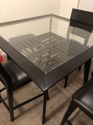 Kitchen table with 2 stools n 2 chairs for Sale in Stockbridge, GA