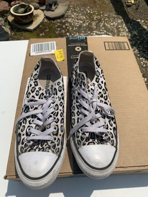 Girls Converse. Size 8. for Sale in San Leandro, CA