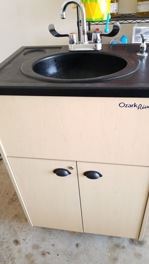 Electronic hand wash sink mall store requirement for Sale in Janesville, WI