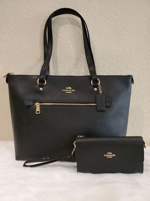 BLACK COACH PURSE AND WALLET SET for Sale in Huntington Park, CA