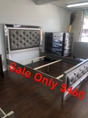 Brand New Queen Bed Complete for Sale in Lynwood, CA