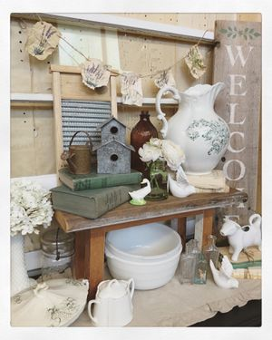 Vintage/Antique Furniture and Home Decor for Sale in Camas, WA