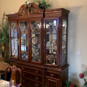 Gorgeous China Hutch for Sale in Peoria, AZ