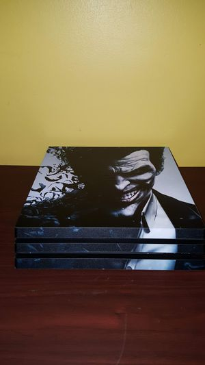 PS4 PRO with 11 games and custom Joker skin! for Sale in Strongsville, OH