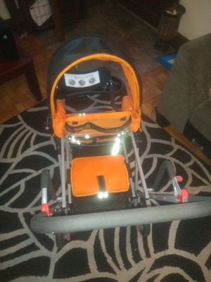 Joovy double stroller a 2-6 year old can sit in back great for walks for Sale in St. Louis, MO