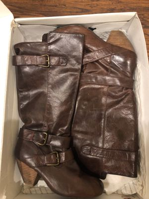 Women's brown genuine leather boot size 8 for Sale in Detroit, MI