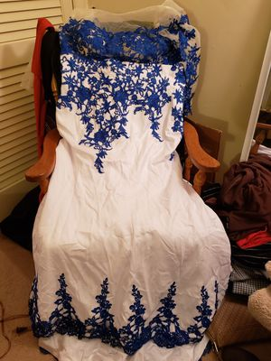 Size large/extra large wedding/evening dress never worn it was too big excellent condition $100 or best offer for Sale in Hampton, VA