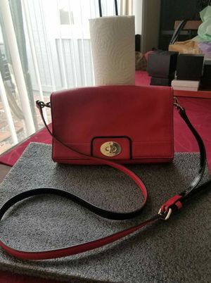 Kate Spade small red crossbody purse for Sale in Lincoln Acres, CA