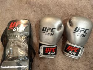 UFC boxing gloves used once for Sale in Los Angeles, CA