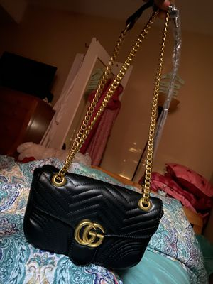 AUTHENTIC! GUCCI Shoulder bag (Brand New) Price can be discussed for Sale in Chicago, IL