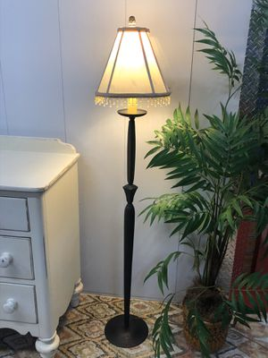 "Metal Dark Brown Floor Lamp 60"" Tall for Sale in Boynton Beach, FL"
