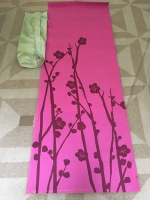Danskin full size Yoga Mat with carrying case $15 for Sale in Fresno, CA