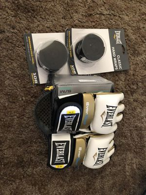 Everlast boxing glove and wrap set for Sale in Chico, CA