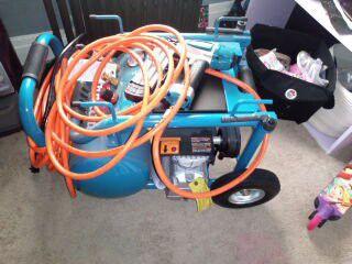 Makita Compressor Like New !!!!!1 Day Sale for Sale in Lebanon,  PA