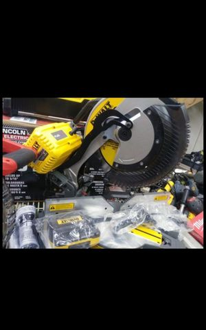 "DEWALT FLEX VOLT 60V CORDLESS OR CORDED DUAL POWER 12""IN SLIDING MITERSAW SAW TOOL ONLY BRAND NEW for Sale in San Bernardino, CA"