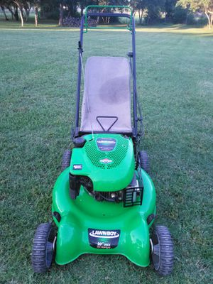 Lawn-Boy 6.75 horsepower self-propelled lawn mower works absolutely great guaranteed to turn on on first pull for Sale in San Antonio, TX