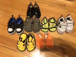 Baby shoes lot sizes 2-4 for Sale in Elmhurst, IL