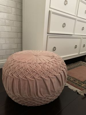 Blush tufted ottoman pouf for Sale in South Gate, CA