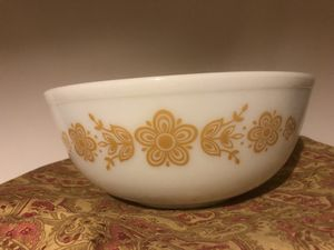 Vintage Pyrex Butter Fly Gold +* for Sale in Cincinnati, OH