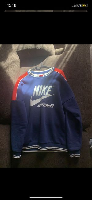 Nike sweater size small for Sale in Detroit, MI
