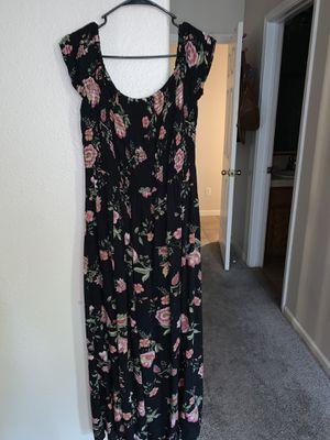 Women's long dress size large for Sale in Antioch, CA