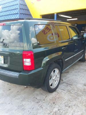 Jeep patriot 2010 $4500 one owner very clean 95k miles $4500 obo for Sale in Miami, FL
