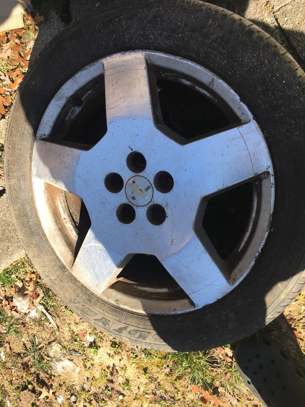 18 inch Chevy SS impala rims and tires