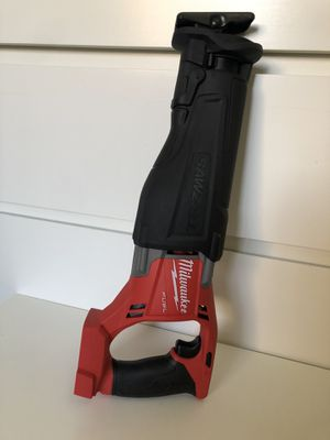 Milwaukee New Saw Zall M18: fuel - Brushless. Nuevo for Sale in Los Angeles, CA