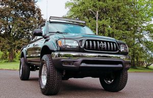 Everything works 03 Toyota Tacoma for Sale in Fresno, CA