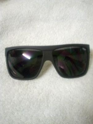 Mens QUAY sunglasses for Sale in Clovis, CA